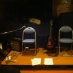 【写真の左の椅子がエイモスで右がジェフ】ジェフ・マルダー&エイモス・ギャレットのライブを観る