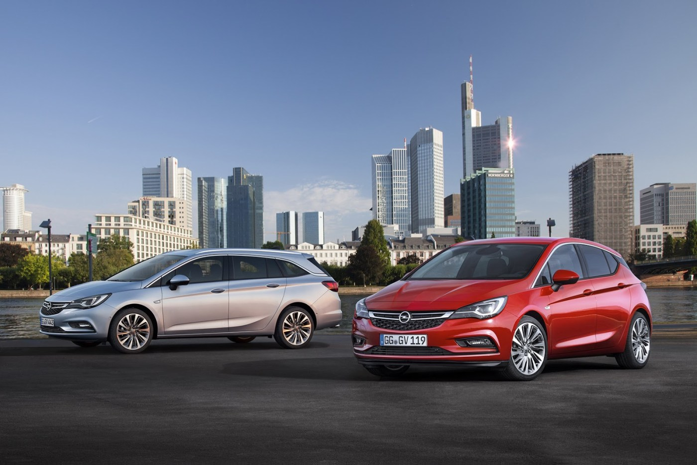 Opel-Astra-Sports-Tourer-16