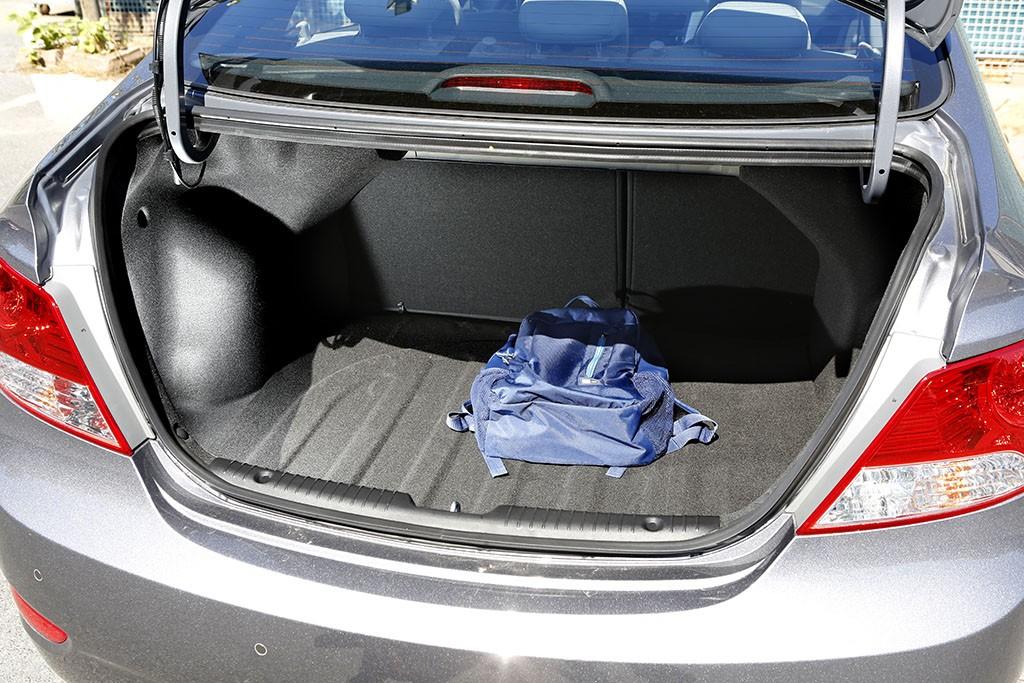 Hyundai-Accent-test5