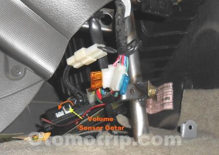 Alarm Mobil Bunyi Terus dan Bunyi Sendiri  OtomoTrip