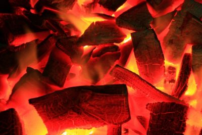 今にも燃えて無くなりそうなイメージ