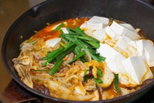 キムチ豆腐のなべ
