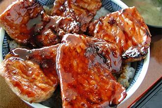 肉厚の豚肉がこんなに!