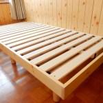フローリングに布団を敷いてたら湿気とカビでどえらいことになったので、すのこベッドを買った