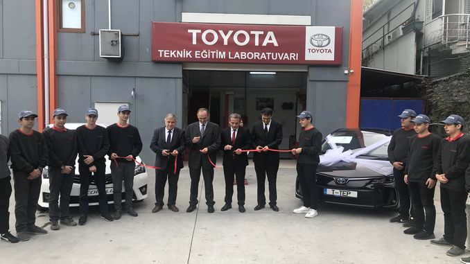 toyota otomotiv sanayi turkiyeden mesleki teknik egitime destek