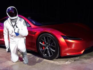 Kus on 2 aastat tagasi kosmosesse saadetud Tesla Roadster, praegu