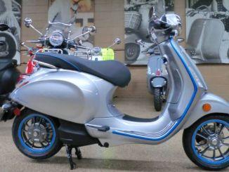 Нов електрически мотоциклет Vespa, представен на изложението в Истанбул
