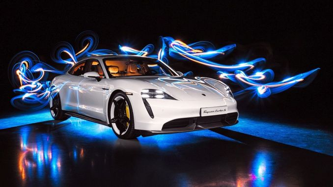 Double Award to Porsche Taycan at the Car of the Year Award