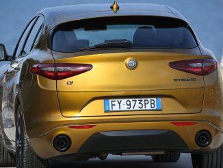 Yeni Alfa Romeo Stelvio arkadan Görünüm