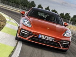 Porsche's four-door sports model Panamera has been renewed