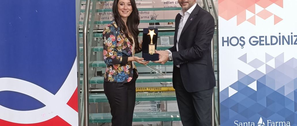 Award to Santa Farnma with Safe Driving Project