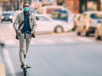 normallesme започна и скутери кацнаха по улиците