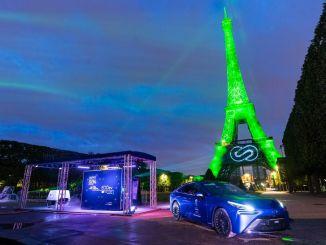 Toyota ilumina la Torre Eiffel con energía de hidrógeno sostenible
