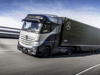 daimler lastebiler begynner omfattende testing av drivstoffcelle Mercedes Benz Genh lastebil