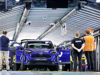 豐田開始生產新的race cross b suv