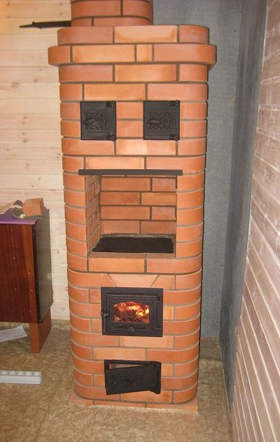 """The oven """"Kroch"""" is an excellent solution for a small country house."""