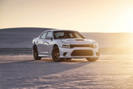 2015-Dodge-Charger-Hellcat-SRT-23