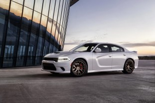 2015-Dodge-Charger-Hellcat-SRT-28