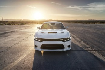 2015-Dodge-Charger-Hellcat-SRT-37