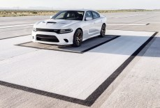 2015-Dodge-Charger-Hellcat-SRT-40