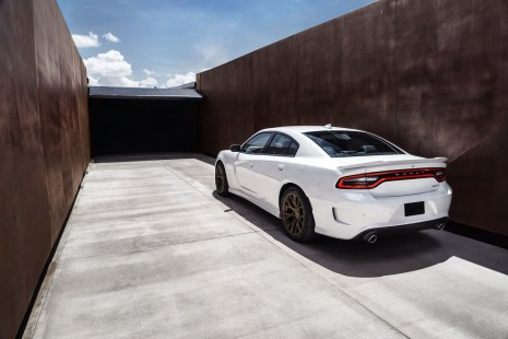 2015-Dodge-Charger-Hellcat-SRT-53