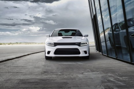 2015-Dodge-Charger-Hellcat-SRT-63
