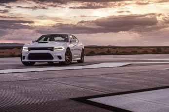 2015-Dodge-Charger-Hellcat-SRT-70