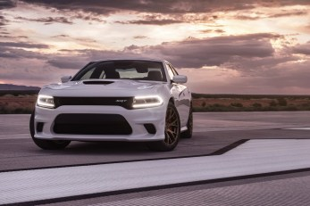 2015-Dodge-Charger-Hellcat-SRT-71