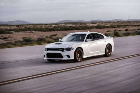 2015-Dodge-Charger-Hellcat-SRT-81