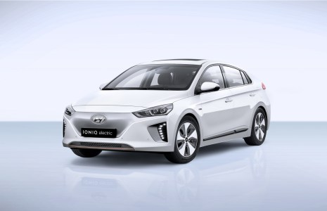 2016-Hyundai-Ioniq-Electric-2