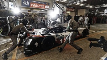 Porsche-Wins-24-Hours-Of-Le-Mans-3