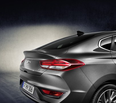 hyundai-i30-fastback-revealed-5