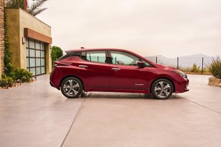 NA-2018-Nissan-Leaf-11