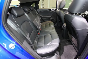 2018-kia-ceed-hatch-unveiled-52
