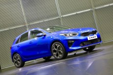 2018-kia-ceed-hatch-unveiled-6