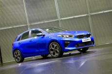 2018-kia-ceed-hatch-unveiled-9