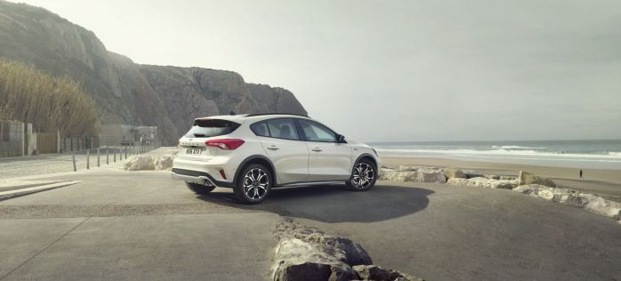 FORD_2018_FOCUS_ACTIVE__06