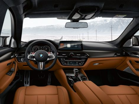 2019-BMW-M5-Competition-24