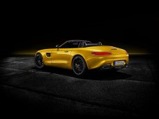 2019-mercedes-amg-gt-s-roadster-6