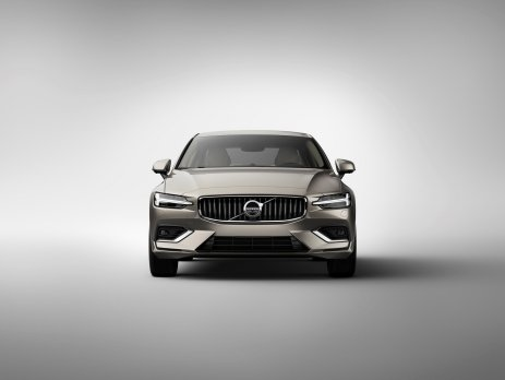 1926f6a9-2019-volvo-s60-unveiled-6