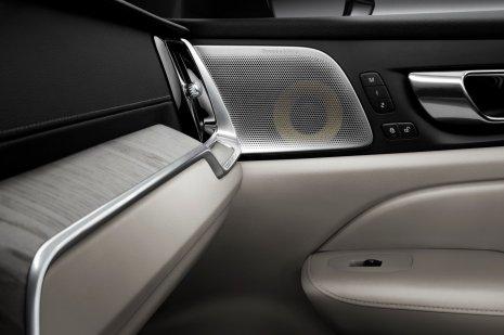 31dc551d-2019-volvo-s60-unveiled-22