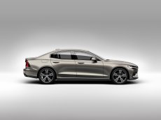 f60ff17f-2019-volvo-s60-unveiled-5