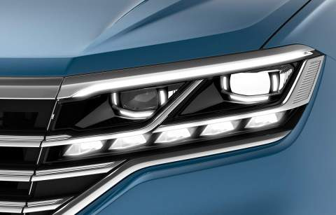 f51de5ce-vw-interactive-headlights-and-taillights-1