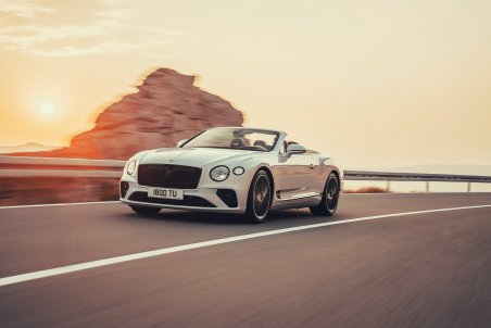 e6b6b8db-bentley_continental_gt_convertible_02