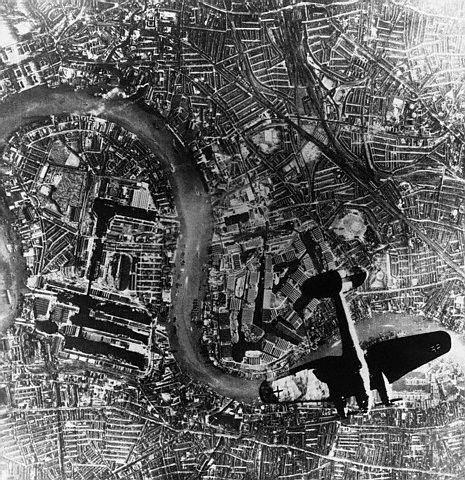 Bombardero Junkers-88 sobre Londres
