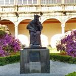 サンティアゴ・デ・コンポステーラの観光でおすすめのツアーとは?大学の歴史遺産に触れてみよう!