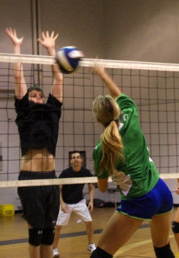 Tuesday Mixed Volleyball 27-05-2013 7-56-21 PM