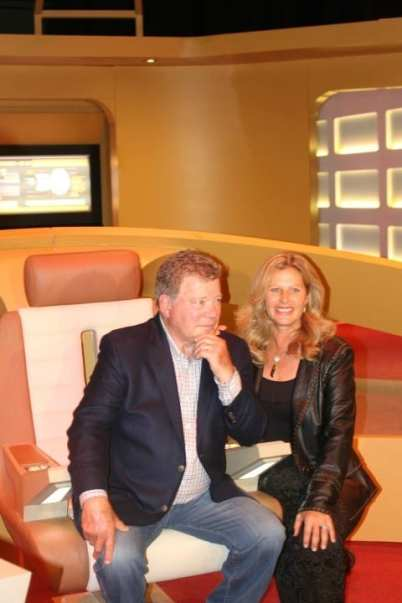 William and Elizabeth Shatner - STAR TREK The Starfleet Academy Experience Gala