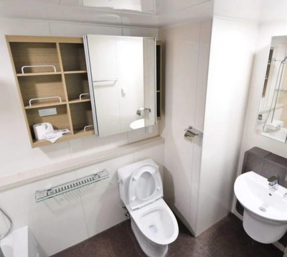Simple Ways to Make your Bathroom Look Bigger