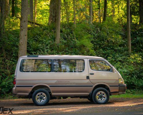 A 1994 Toyota Hiace 4x4 Van for sale in Portlnad, OR by Ottoex